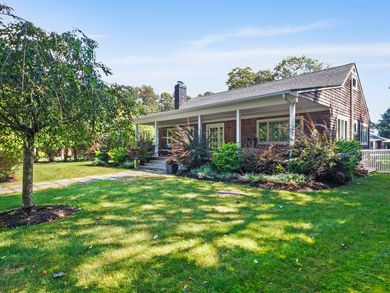 84 Jessup Avenue Quogue